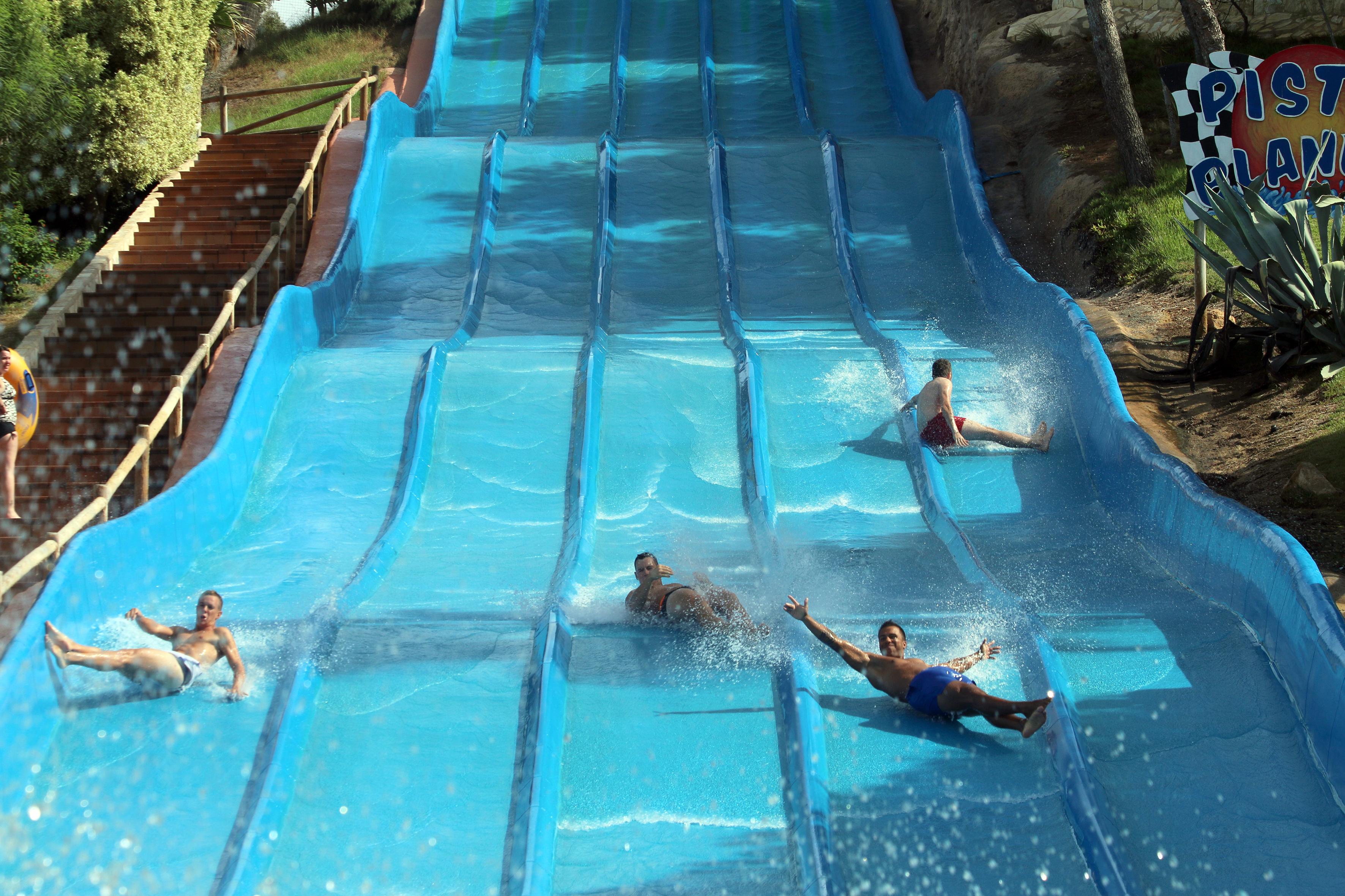 Atracciones para disfrutar en equipo: el splash y las pistas blandas