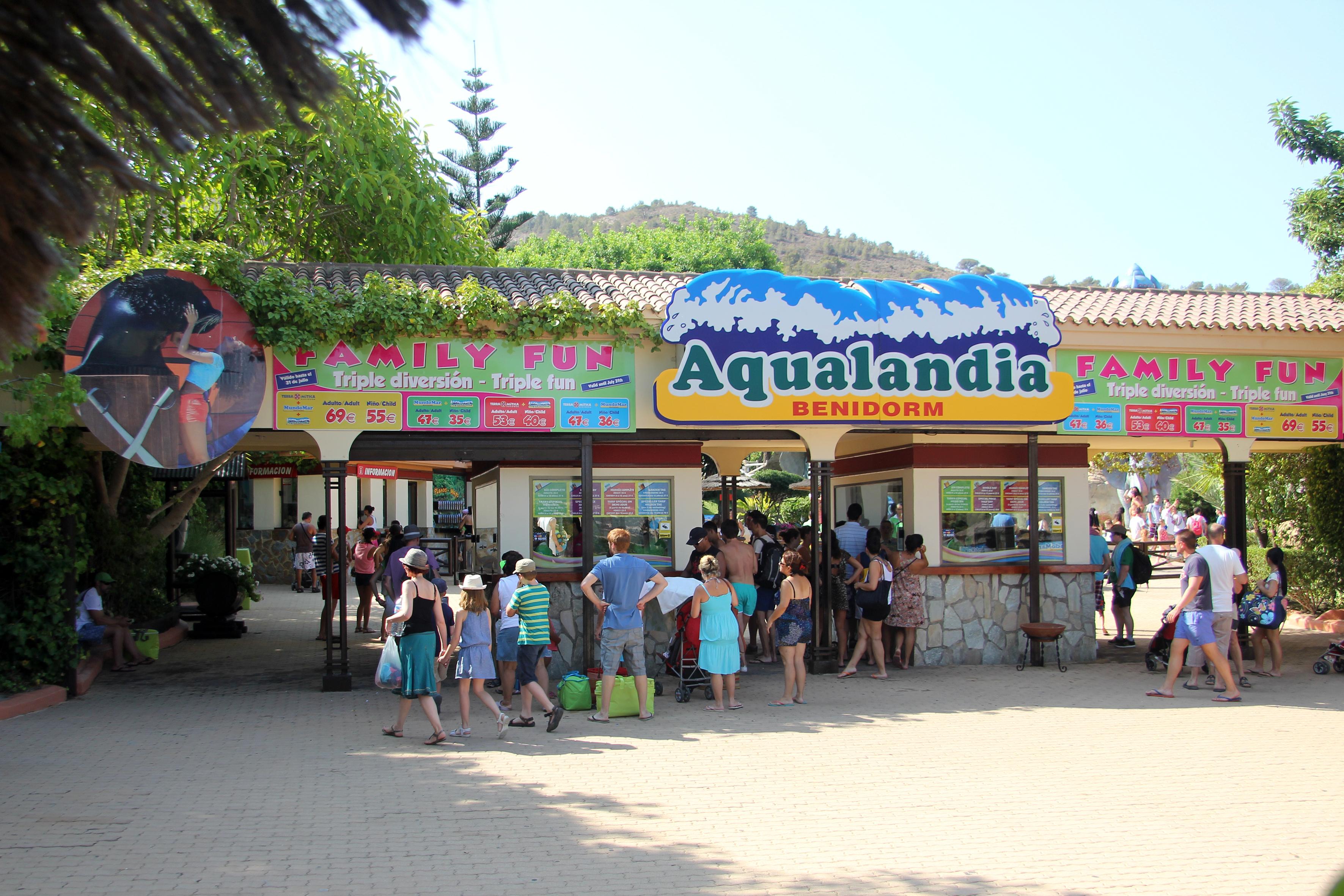 ¿Cómo se preparan los parques acuáticos para la temporada de verano?