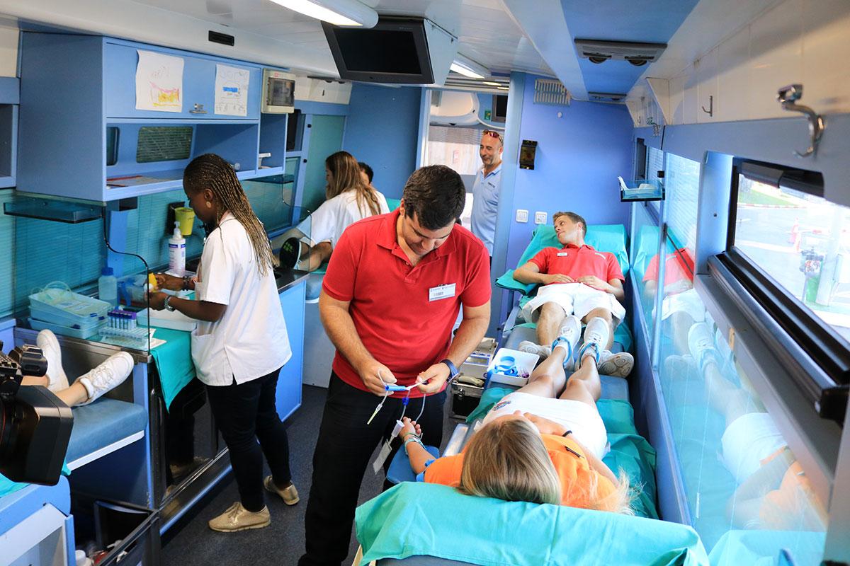 Aqualandia celebra su primera donación de sangre
