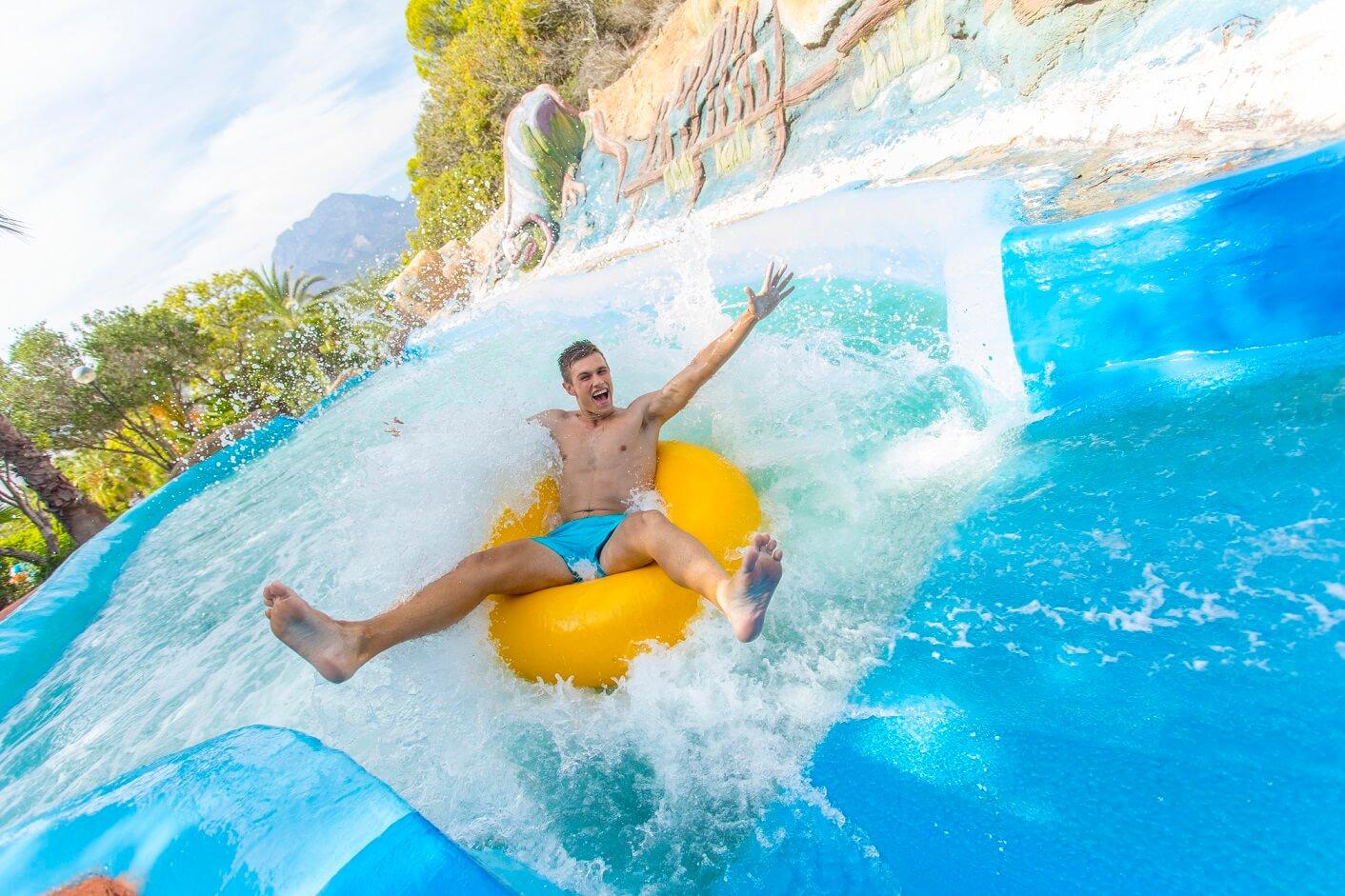 Cómo elegir el bañador perfecto para ir a Aqualandia