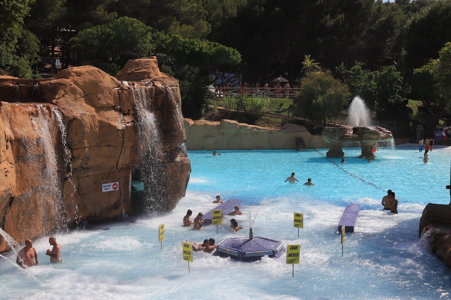 Las mejores atracciones para un día de relax en Aqualandia